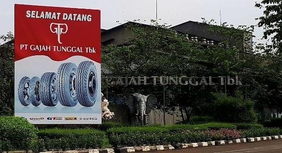 Depan PT Gajah Tunggal Tbk