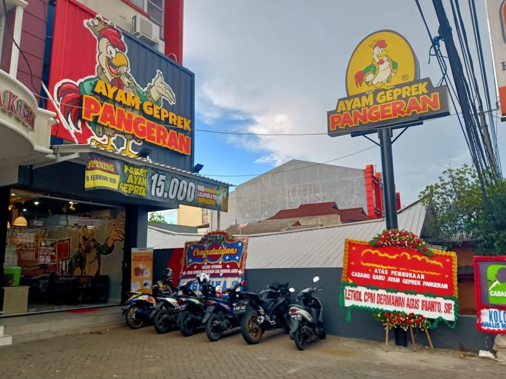 ayam geprek pangeran, Lezatnya Ayam Geprek Pangeran kini Hadir Di Tangsel, INFO TANGERANG, INFO TANGERANG
