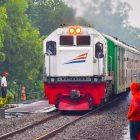 KA Matarmaja berjalan langsung Stasiun Karangsono, bersilang dengan KA Joglosemarkerto tujuan akhir Yogyakarta (istimewa)