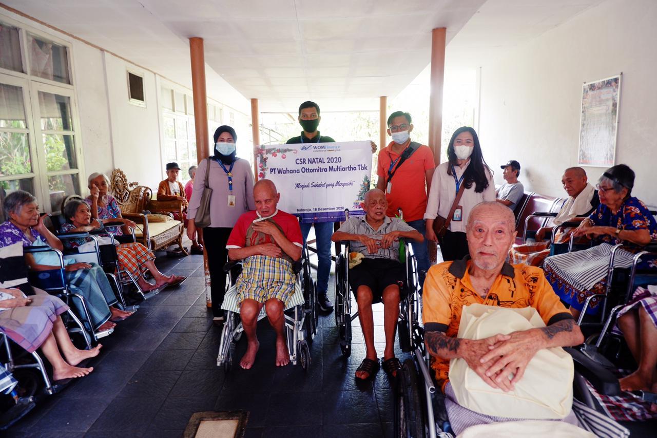 Natal di Tengah Pandemi Covid-19, WOM Finance Bagikan Kasih Natal