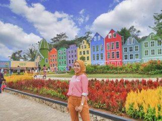 Spot Foto Instagramable Taman Mahoni Bangun Sentosa Kota Serang
