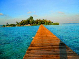 Wisata Religi Sekaligus Menikmati Keindahan Pulau Cangkir